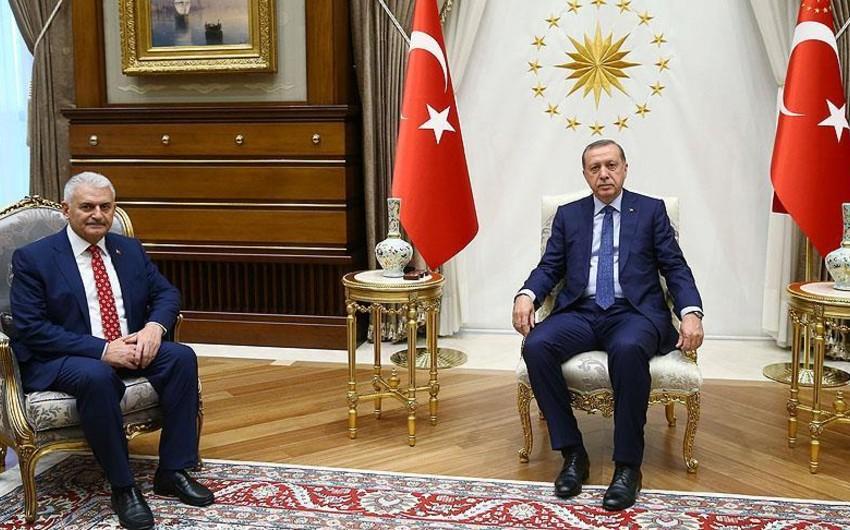 Президент Турции поручил новому премьер-министру сформировать новое правительство страны