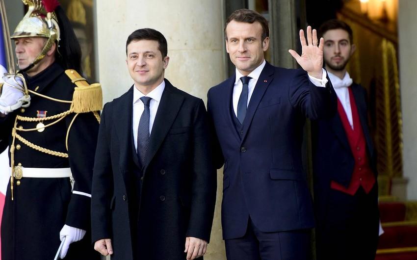 Макрон и Зеленский проводят встречу в Елисейском дворце