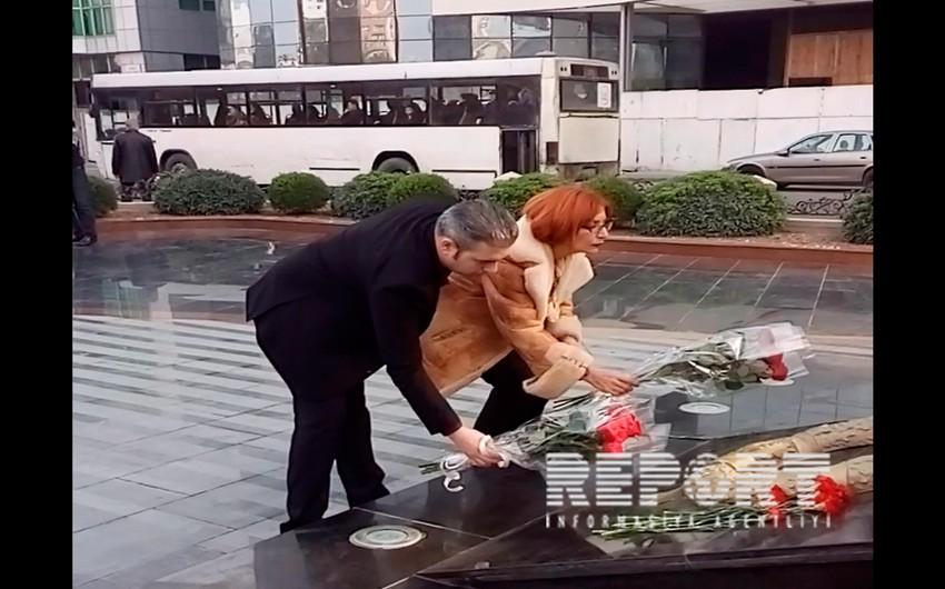Daha iki erməni ictimai xadim Xocalı abidəsini ziyarət edib - VİDEO