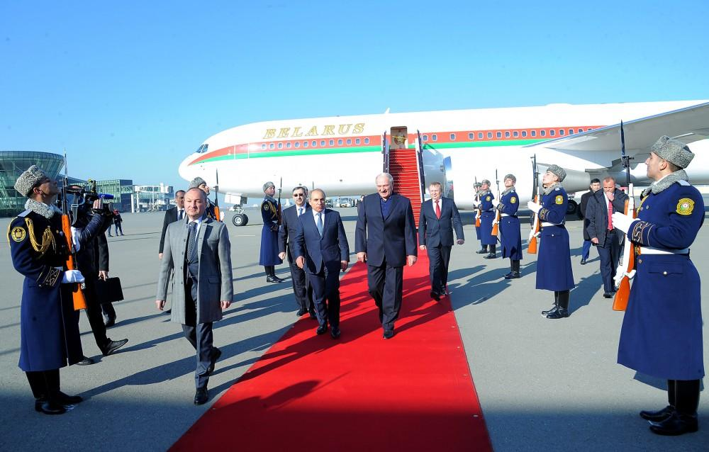 Президент Беларуси прибыл с официальным визитом в Азербайджан - ОБНОВЛЕНО