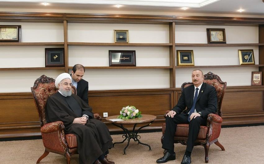 Prezident İlham Əliyev Aktauda iranlı həmkarı ilə görüşüb - YENİLƏNİB