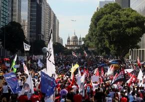 Акции протеста против политики Болсонару прошли по всей Бразилии