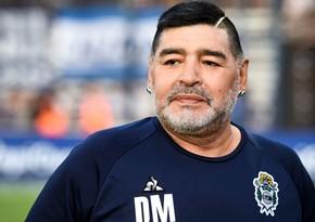 Argentinada 25 yaşlı futbolçu özünü Maradonanın qızı elan etdi