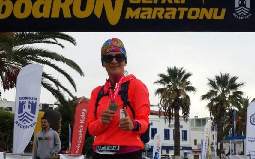 """Azərbaycanlı atlet """"BodRUN"""" ultramarafonunda xüsusi medala layiq görülüb"""
