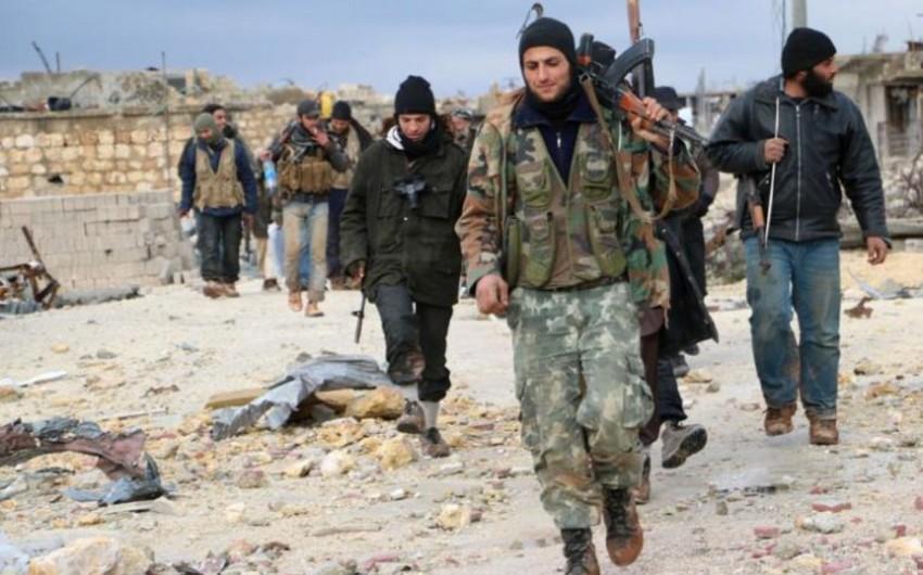 Suriyada Əhrar əş-Şam qruplaşmasının 120-dən çox üzvü təslim olub