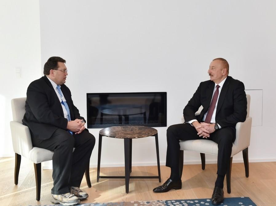 Azərbaycan Prezidentinin Davosda İsveçrənin Montrö şəhərinin meri ilə görüşü olub