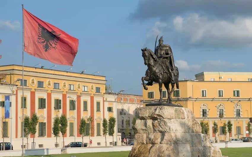 Более 100 человек пострадали при землетрясении в Албании