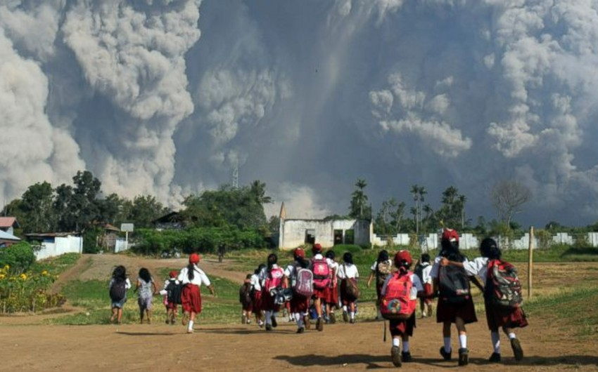 İndoneziyada vulkanın külü 5 min km yüksəkliyə qalxıb