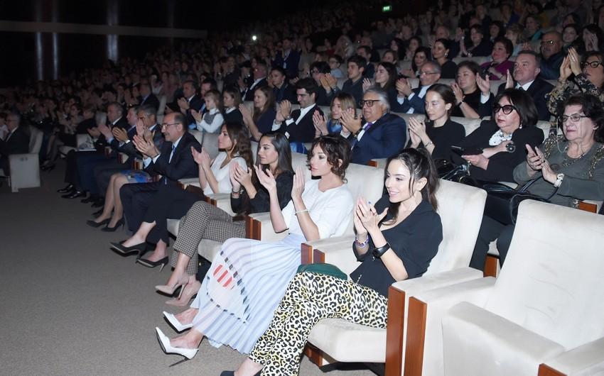 Heydər Əliyev Sarayında məşhur pianoçu Denis Matsuyevin konserti olub