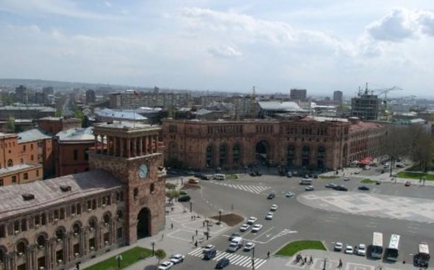 Ermənistan parlamentinin binası yaxınlığında etiraz aksiyası keçirilib