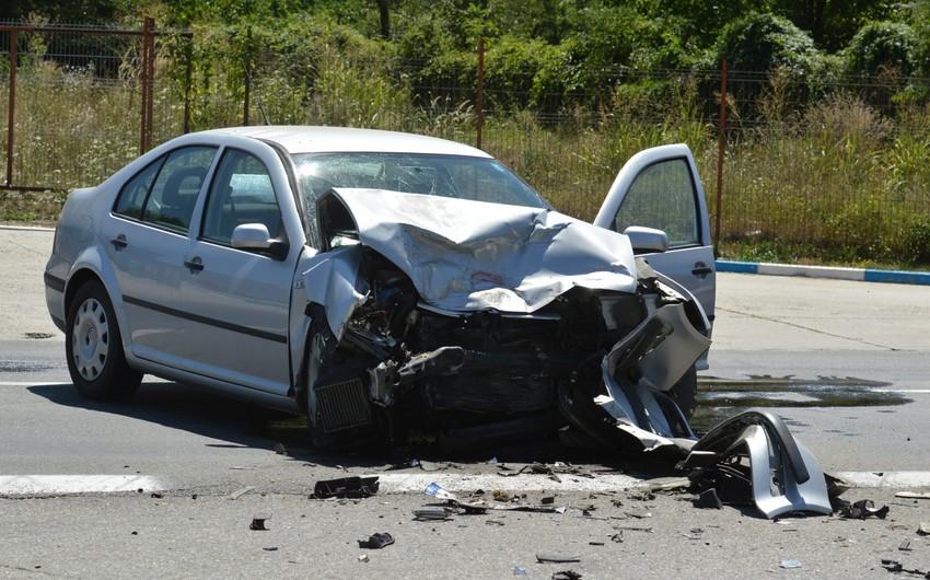Bakıda yol qəzasına düşən sürücü xəstəxanada öldü