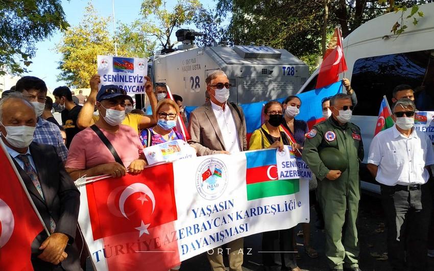 İstanbulda Azərbaycan Ordusuna dəstək aksiyası keçirilir