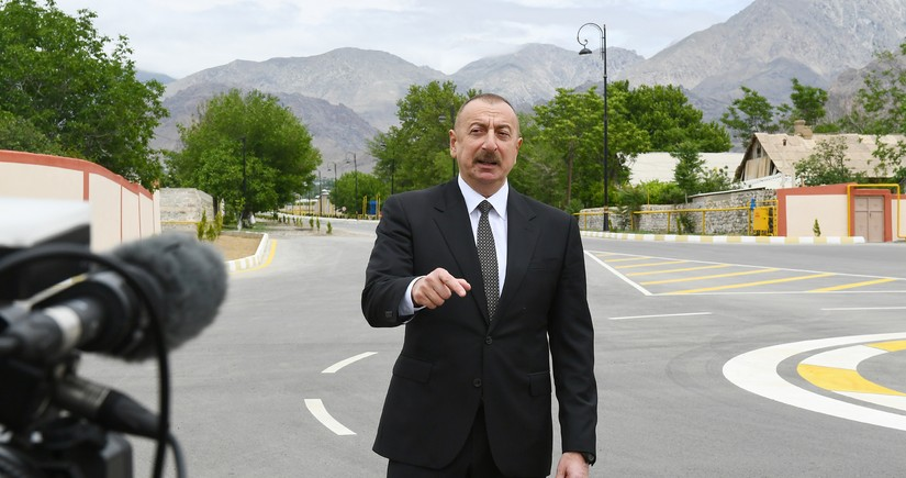 """Prezidentdən Ermənistana xəbərdarlıq: """"Odla oynamasınlar, yumruq yerindədir"""""""