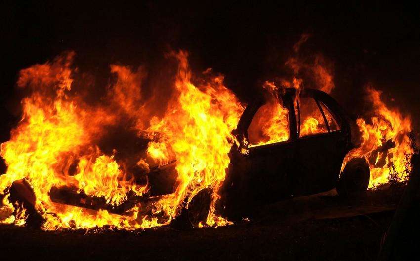 Masazırda avtomobil yanıb