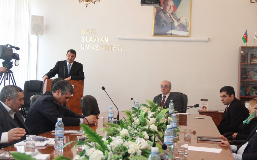 Bakı Slavyan Universitetində Xocalı faciəsi yad edilib