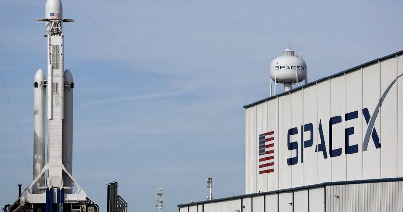 SpaceX планирует к осени обеспечить беспроводной интернет по всему миру