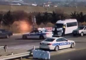 Nəvai postunda mikroavtobusu polisin üzərinə sürdü, həbs edildi - VİDEO