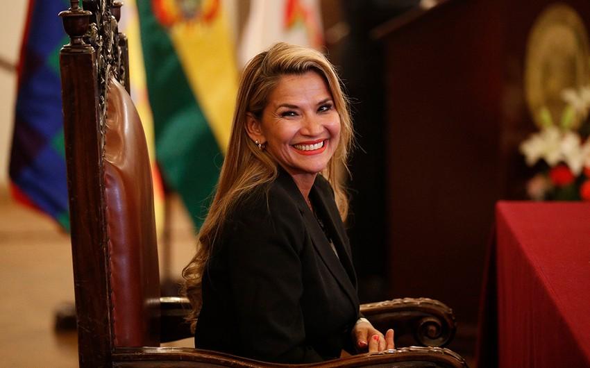 Boliviyanın müvəqqəti prezidenti COVID-19-dan sağaldı