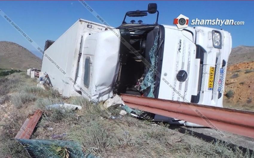 İran vətəndaşı olan iki qardaş Ermənistanada avtomobil qəzasına düşüb