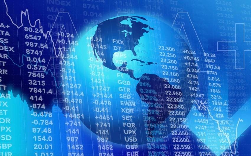 Global debt hits record
