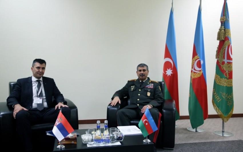 Azərbaycan və Serbiya müdafiə nazirləri arasında görüş olub