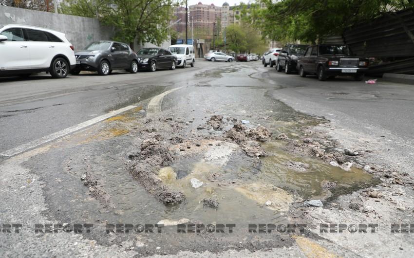 Bu yolda kanalizasiya xətti ayda 2 dəfə partlayır - VİDEO