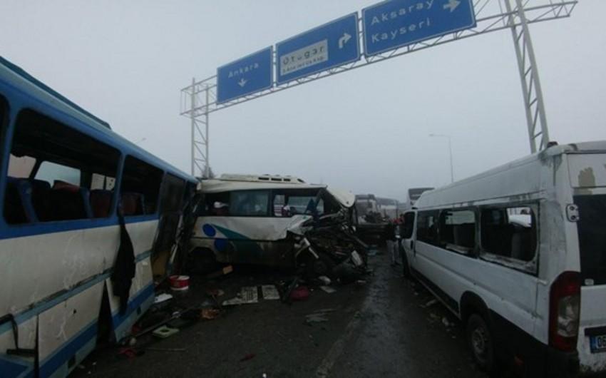 В Турции произошло тяжелое ДТП, столкнулись 40 автомобилей