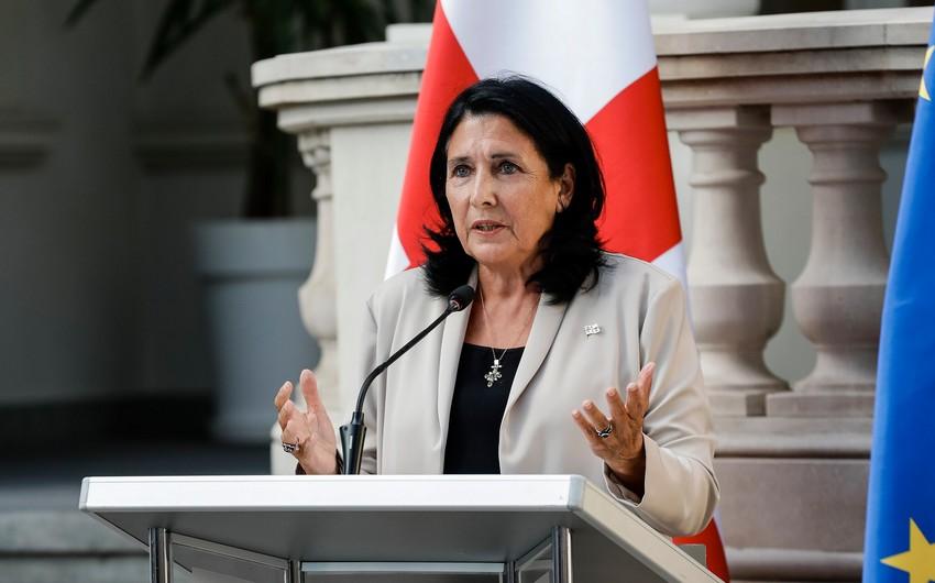 Gürcüstan prezidenti müxalifətin tələbini yerinəyetirməküçünşərt qoydu