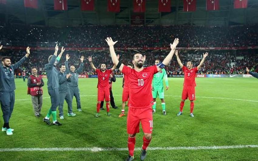 Три матча в группах D и E будут сыграны на чемпионате Европы по футболу