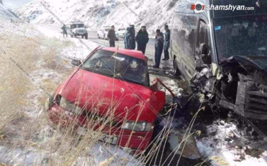 Ermənistanda Dilican tuneli yaxınlığında qəza olub, 13 nəfər yaralanıb