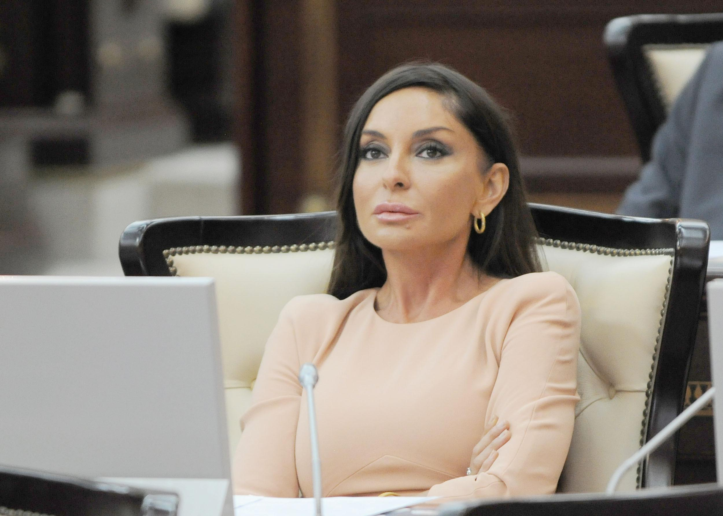 President of the Heydar Aliyev Foundation Mehriban Aliyeva is awarded a high prize of the State of Kuwait