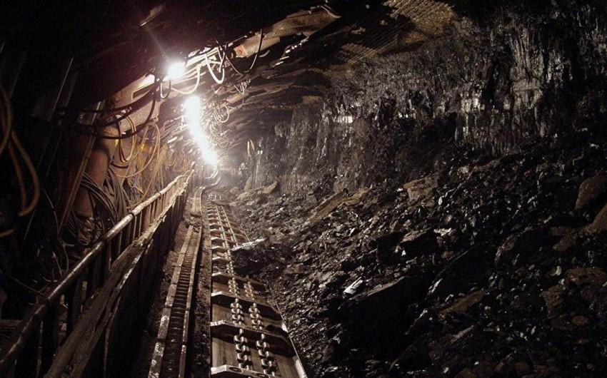 В Китае 21 горняк заблокирован в затопленной угольной шахте
