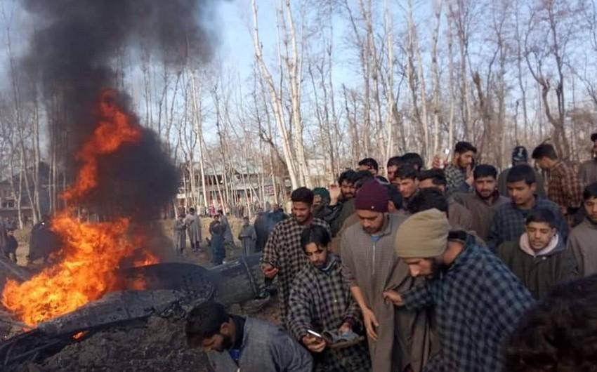 Pakistan HHQ Hindistanın iki qırıcı təyyarəsini vurub, bir pilot girov götürülüb