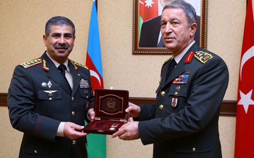 Azerbaijan awards Head of General Staff of Turkish Armed Forces with military medal