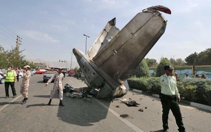 KİV: İran təyyarəsinin mühərriki havada gövdəsindən ayrılaraq yerə düşüb