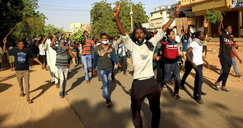 Sudanda fövqəladə vəziyyət elan edilib