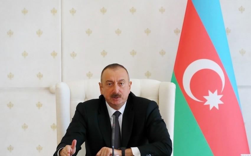 Prezident İlham Əliyev kino tədqiqatçısına mənzil hədiyyə edib