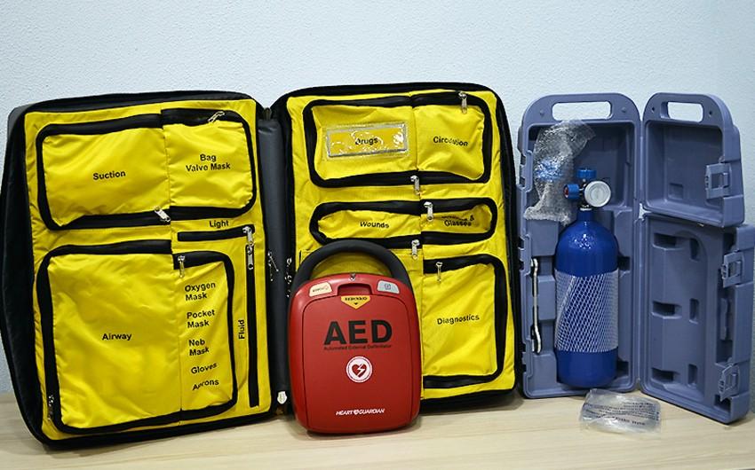 AFFA 4 kluba defibrilyator cihazı verdi
