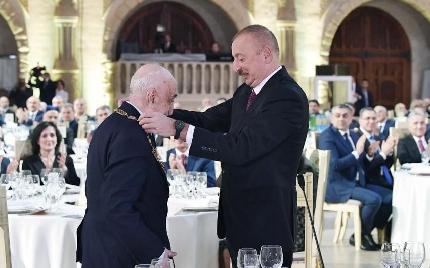 Состоялась церемония по случаю 90-летия выдающегося ученого-нефтяника, геолога, академика Хошбахта Юсифзаде - ОБНОВЛЕНО - ФОТО