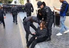 Aksiya zamanı polislər nümunəvi davranış sərgilədilər - RƏYLƏR
