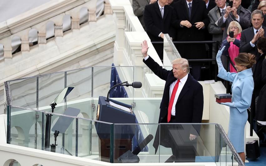 Tramp ABŞ-ın 45-ci prezidenti kimi vəzifəsinin icrasına başlayıb - VİDEO