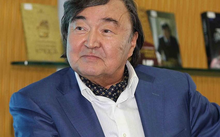 """Oljas Süleymenov """"Azərbaycan Respublikası Prezidentinin fəxri diplomu"""" ilə təltif edilib"""