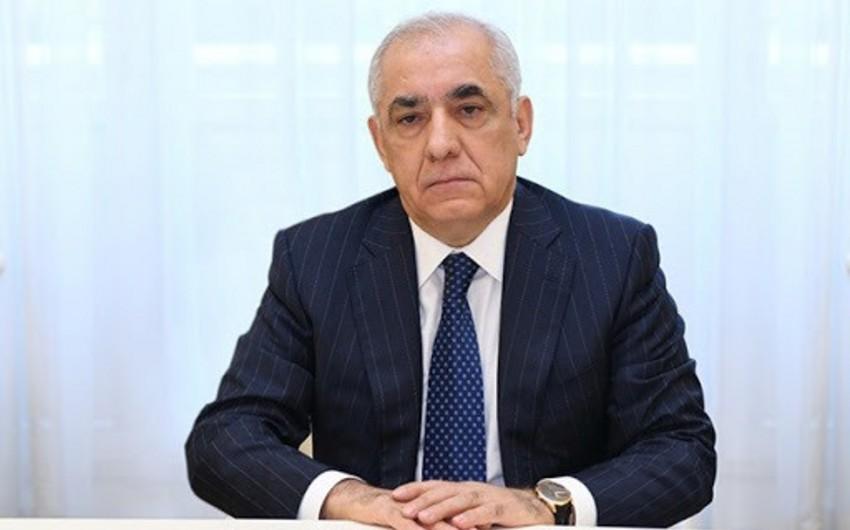 Əli Əsədov İranın Birinci vitse-prezidenti ilə telefonla danışdı