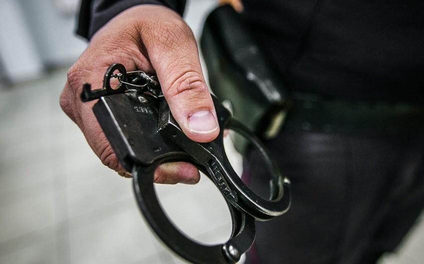 В Хырдалане неизвестный украл из объекта PlayStation 4 - ВИДЕО