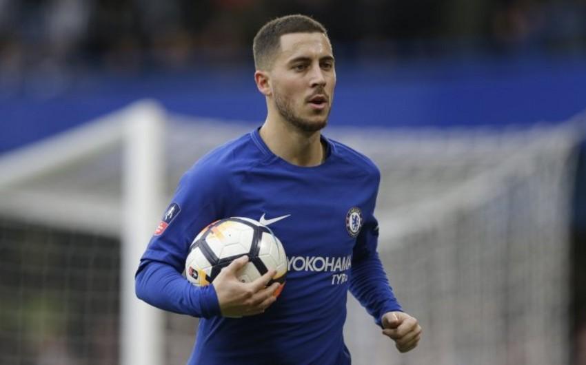 Английский клуб предлагает звездному футболисту новый контракт