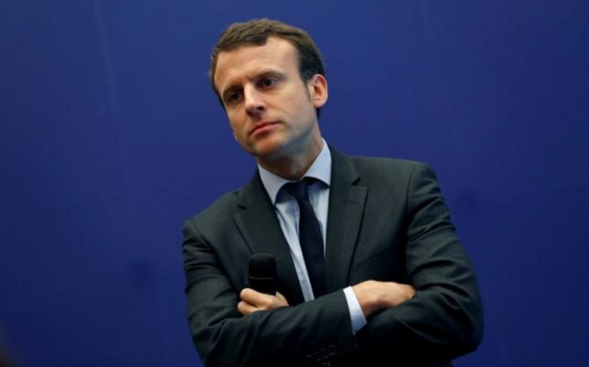 Poll: Macron's rating fell to a record low amid protests