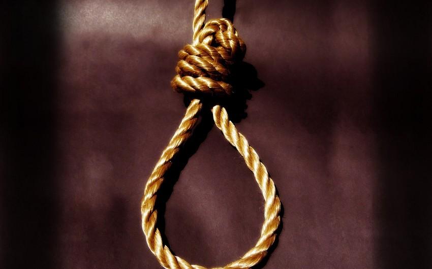Qubada 21 yaşlı oğlan özünü asaraq intihar edib