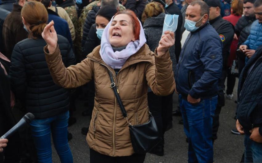 Армянские матери требуют возвращения своих детей из Карабаха