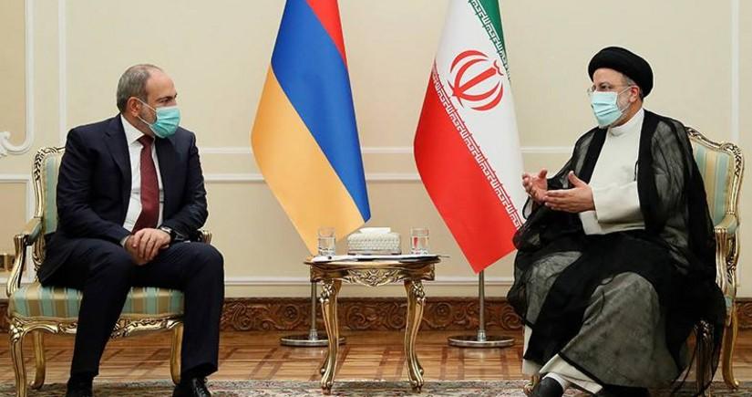 Raisi, Pashinyan discuss uninterrupted organization of cargo transportation