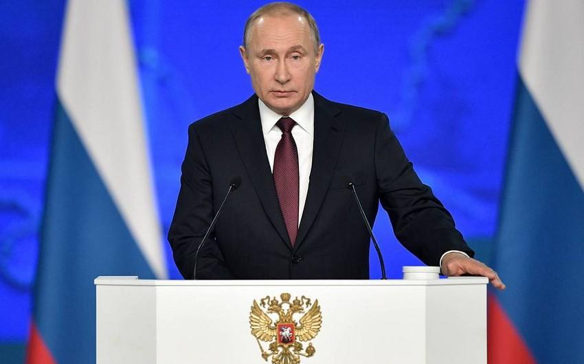 Putin Konstitusiya ilə bağlı referendum keçirilməsini təklif edib